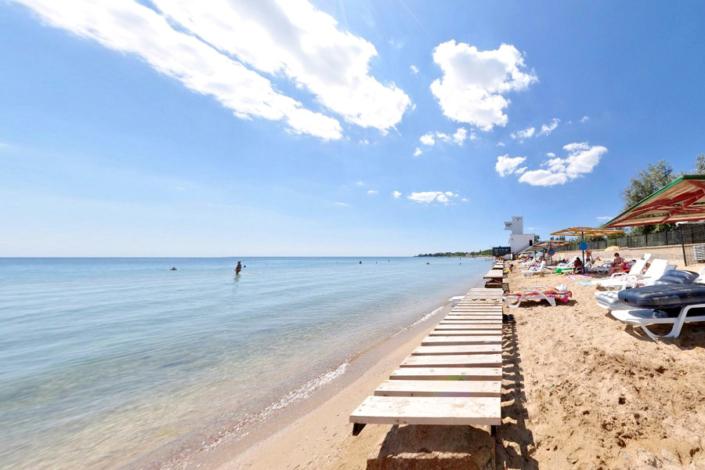 Пляж пансионата Прометей плюс ВВ