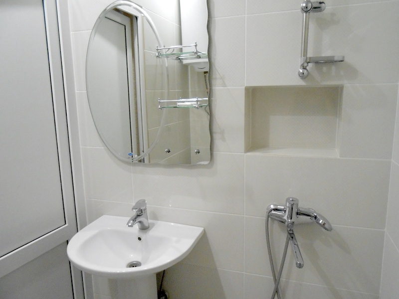 Туалетная комната в номере отеля Пшандра, Бамбора, Гудаута, Абхазия
