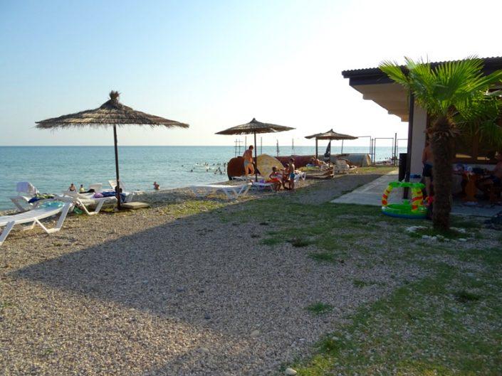 Пляж отеля Пшандра, Бамбора, Гудаута, Абхазия