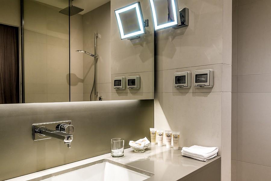 Ванная комната номера Superior отеля Pullman Sochi Centre