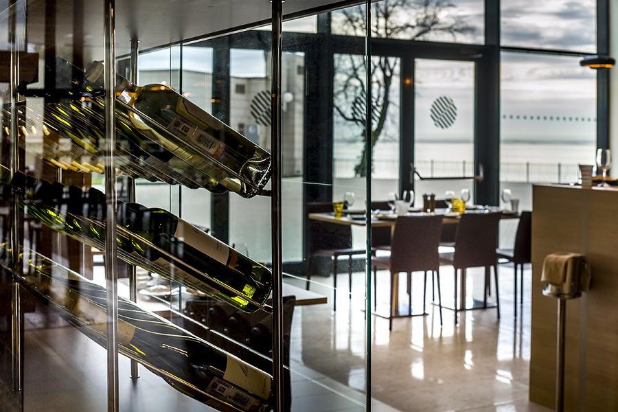 Винотека ресторана Sel Marin отеля Pullman Sochi Centre