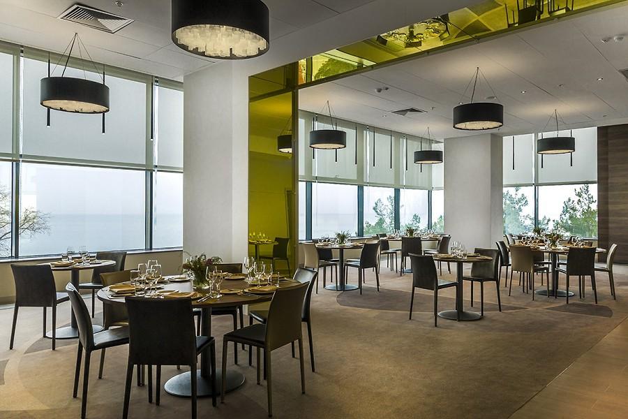 Банкетный зал Priмrose отеля Pullman Sochi Centre