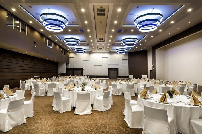 Зал Platane отеля Pullman Sochi Centre, банкетная расстановка