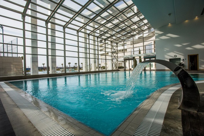 Бассейн в отеле Radisson Blu Resort & Congress Centre Sochi