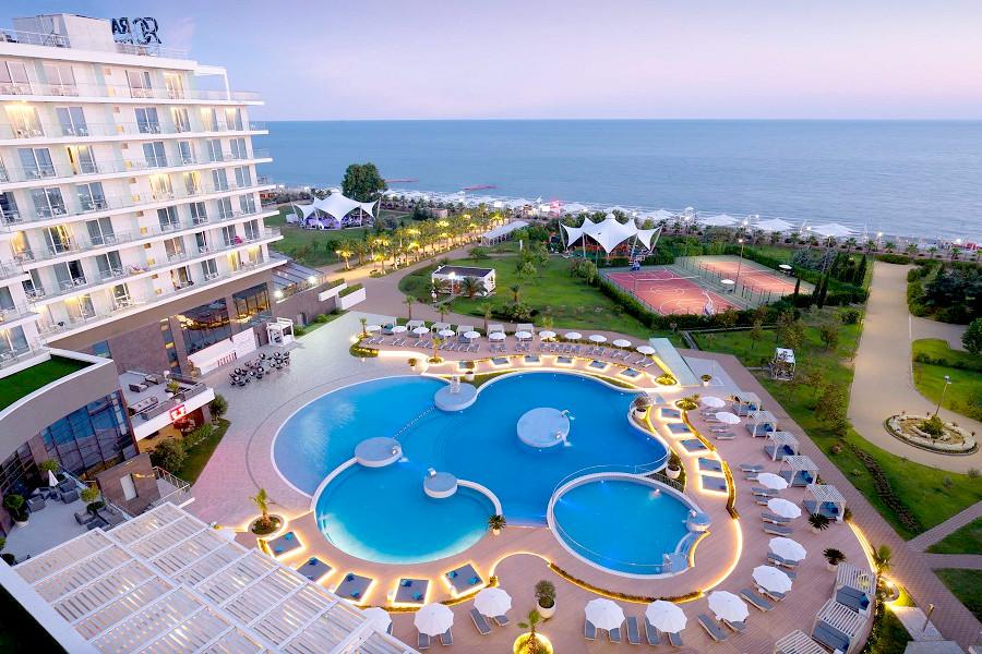 Вид на море и бассейн Radisson Collection Paradise Resort & Spa, Сочи
