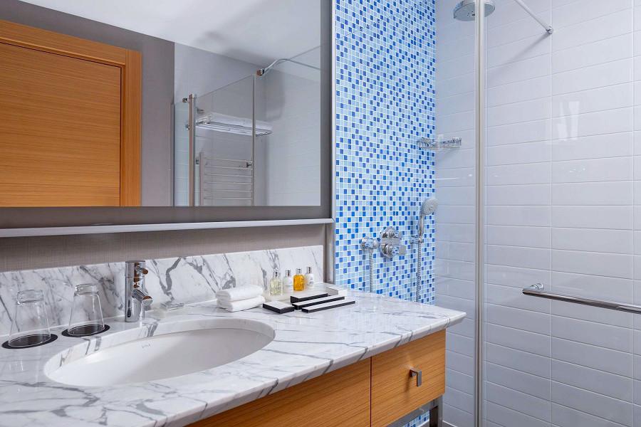 Туалетная комната в номере Стандарт Collection отеля Radisson Collection Paradise Resort & Spa, Сочи