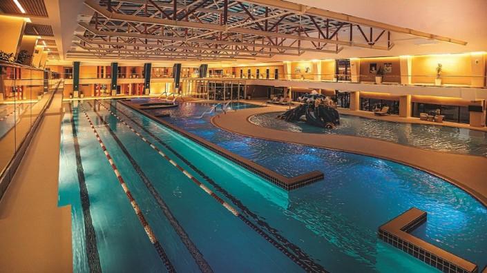 Крытый бассейн с подогреваемой водой Radisson Lazurnaya Hotel Sochi