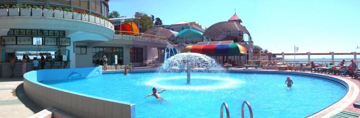 Открытый детский бассейн санатория Радуга
