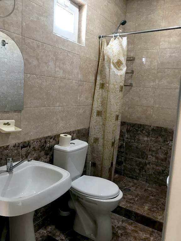 Туалетная комната Стандартного номера отеля Райский уголок