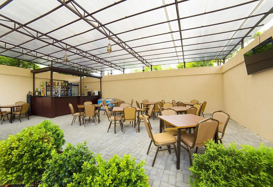 Кафе гостевого дома Репруа
