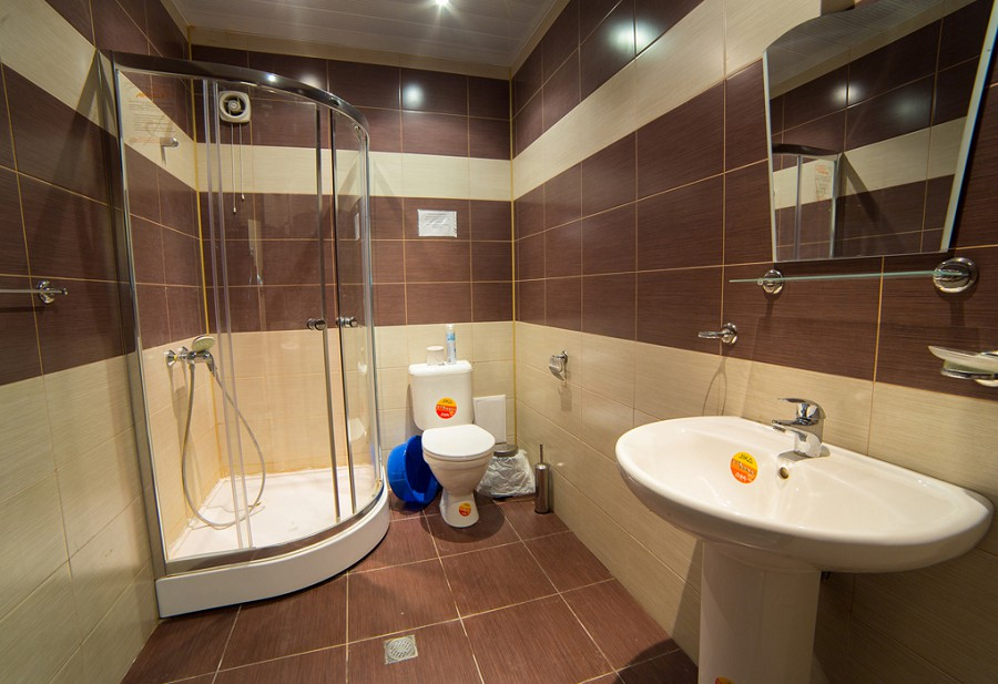 Туалетная комната Стандартного двухместного номера гостиницы Резиденция Апсны