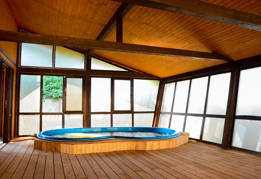 Бассейн в бане гостиницы Резиденция Апсны