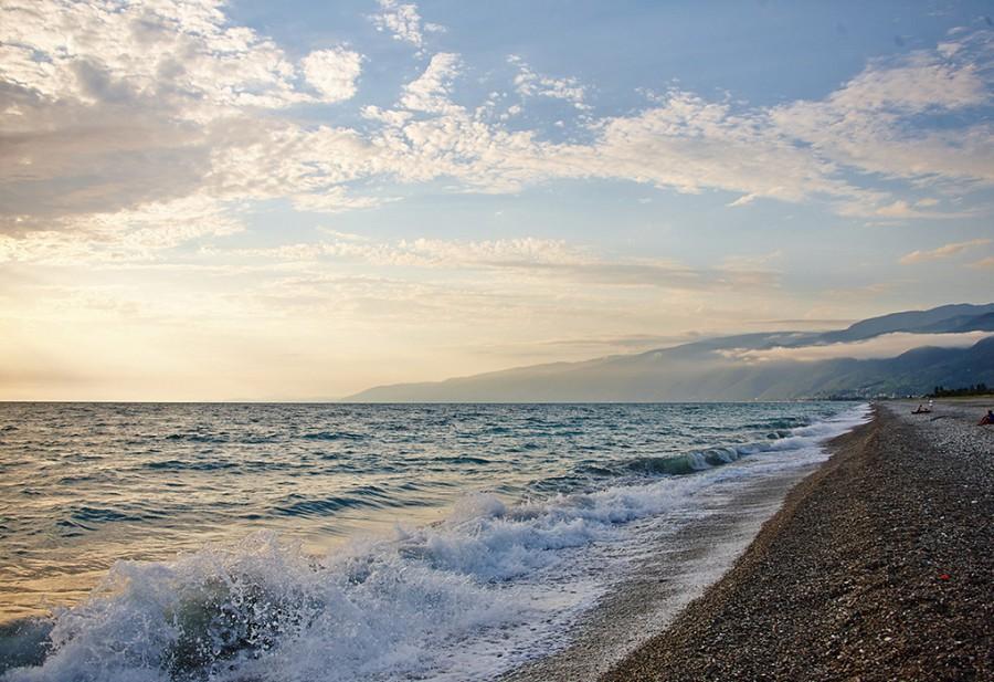 Пляж поселка Цандрыпш