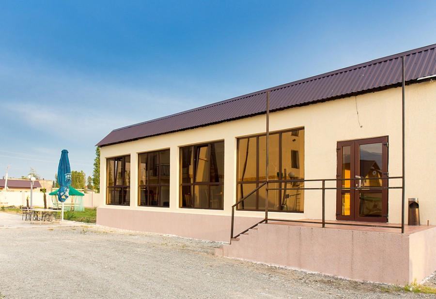 Здание столовой гостиницы Резиденция Апсны