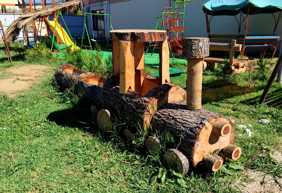 Детская игровая площадка гостиницы Резиденция Апсны