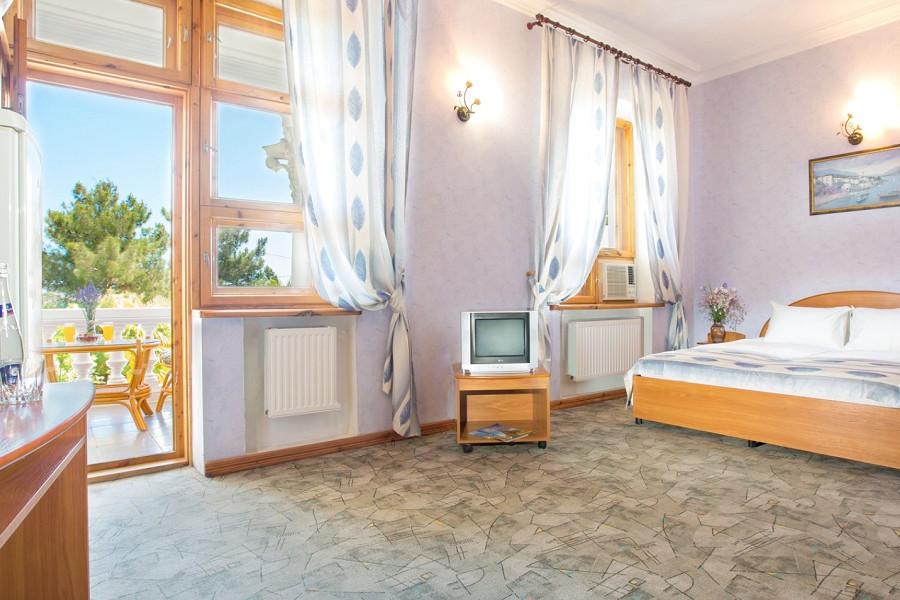 Стандарт двухместный с балконом отеля Резиденция Совиньон