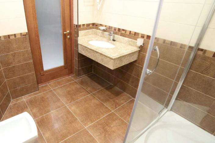Туалетная комната номера Люкс Семейный в отеле Ribera Resort & Spa
