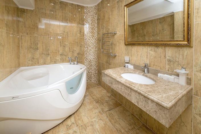 Туалетная комната номера Люкс Гранд в отеле Ribera Resort & Spa