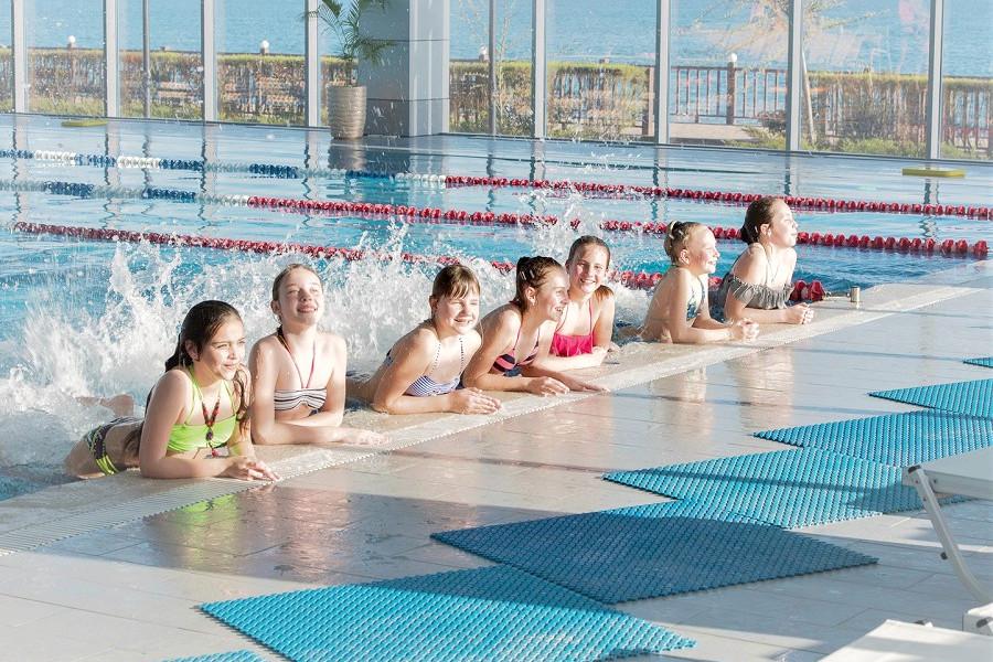 Бассейн крытый отеля Ribera Resort & Spa