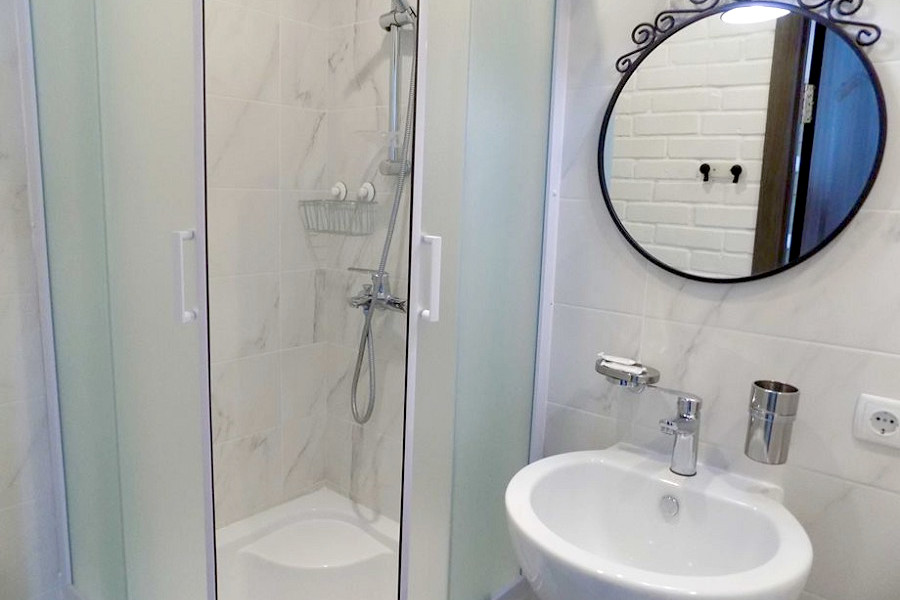 Туалетная комната номера Стандарт Комфорт в Корпусе 1 Ripario Hotel Group