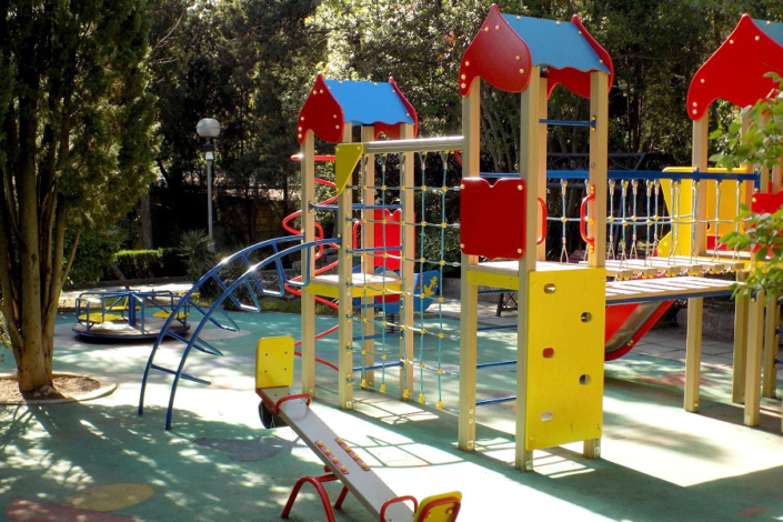 Детская площадка на территории Ripario Hotel Group