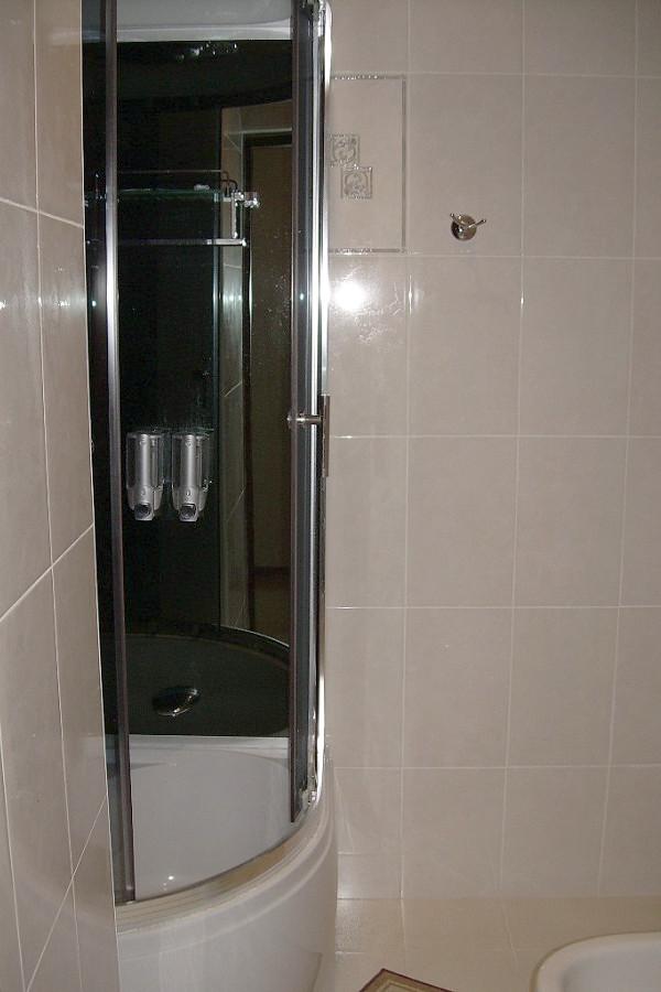 Туалетная комната номера Стандарт Улучшенный отеля Рица