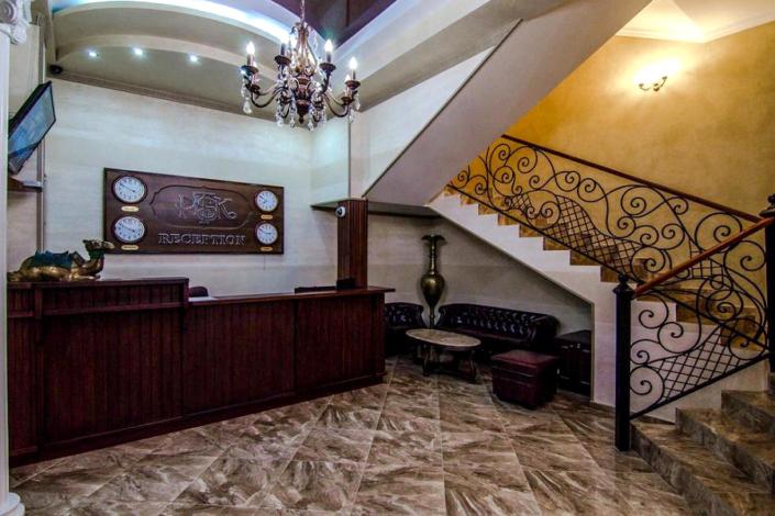 Холл отеля Ritsk