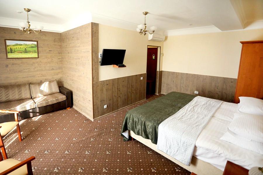 Полулюкс двухместный с двуспальной кроватью отеля Ritsk