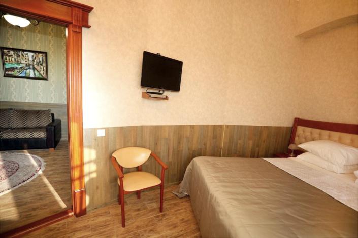 Люкс двухместный двухкомнатный отеля Ritsk