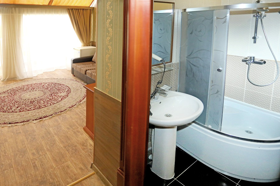 Туалетная комната номера Люкс в отеле Ritsk