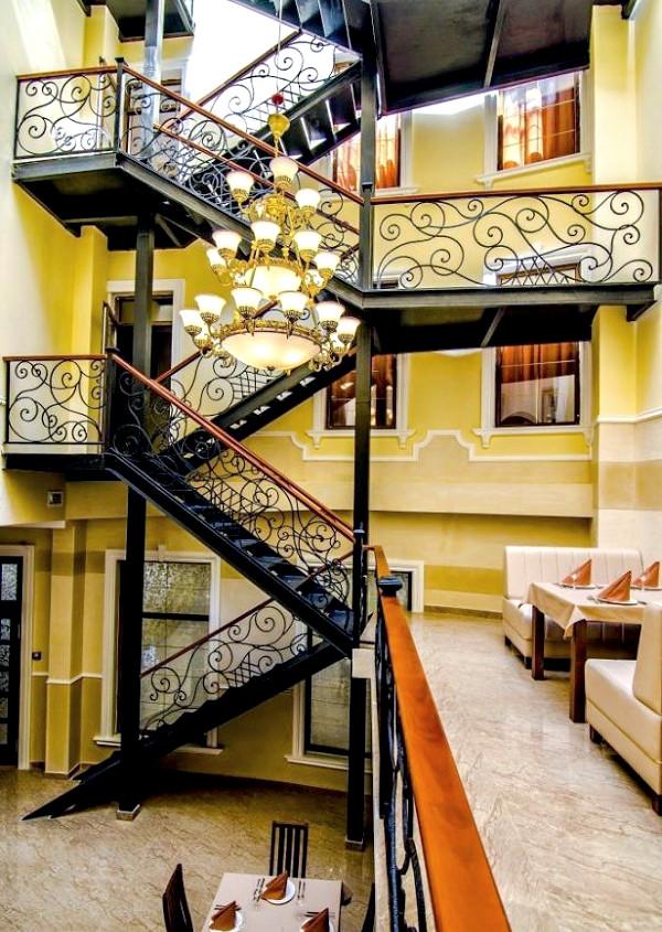 Внутренний дворик отеля Ritsk