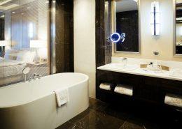 Туалетная комната номера Супериор отеля Rixos Krasnaya Polyana