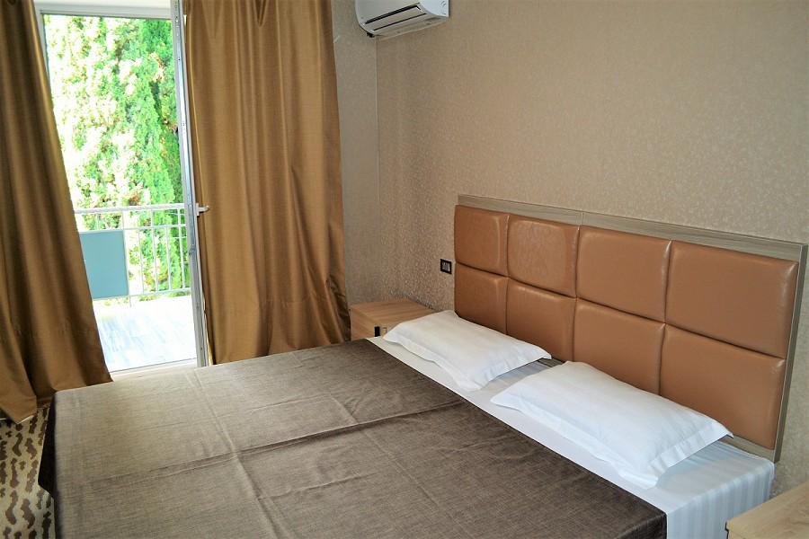 Полулюкс трехместный двухкомнатный в Корпусе 1 отеля Родина, Новый Афон