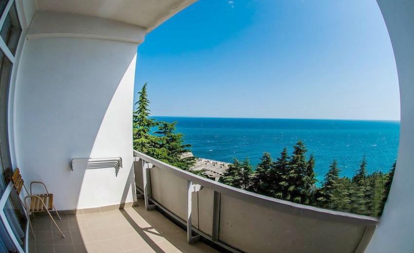 Вид на юг с балкона номера Улучшенный в Корпусе № 3 санатория Родина