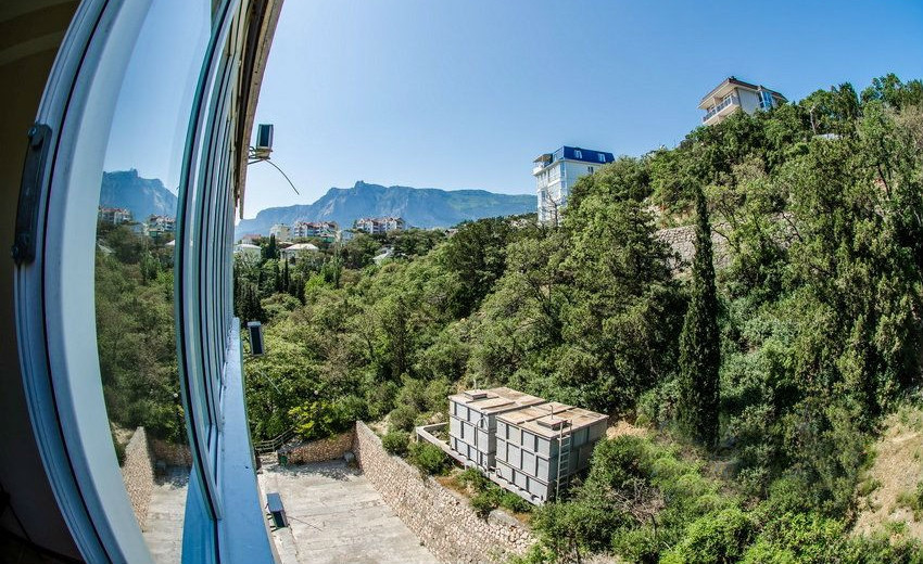Вид на север с балкона номера Улучшенный в Корпусе № 3 санатория Родина