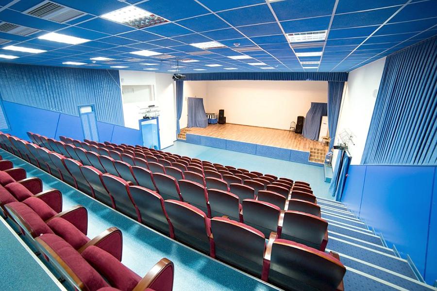 Киноконцертный зал санатория Родник