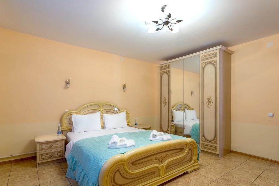 Номер на первом этаже коттеджа спа-отеля Русский дом Дивный 43°39°, Сочи