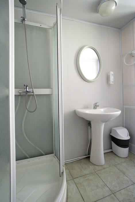Туалетная комната Стандартного номера в мансарде коттеджа спа-отеля Русский дом Дивный 43°39°, Сочи