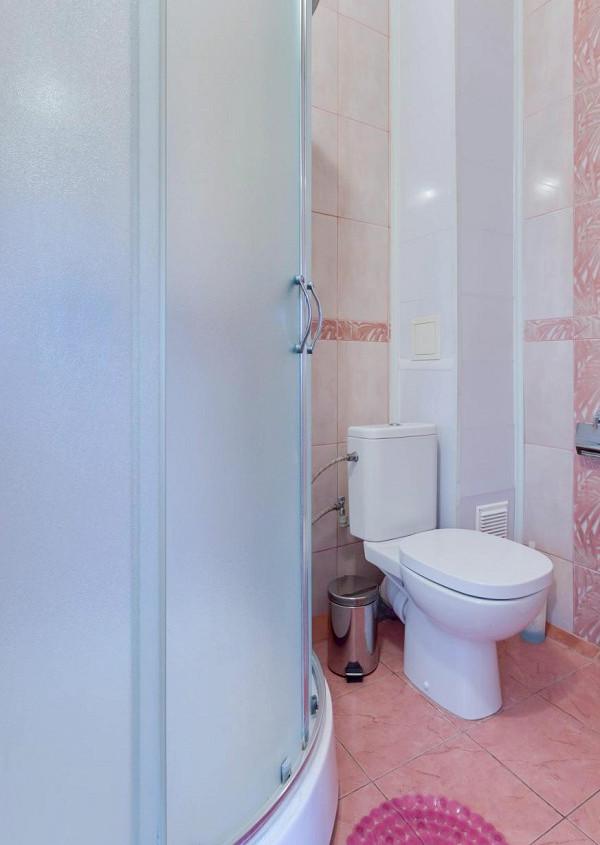 Туалетная комната номера Полулюкс в отеле «Русское море»
