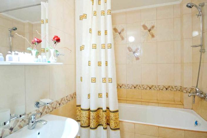 Туалетная комната в номере Люкс санатория Сакрополь