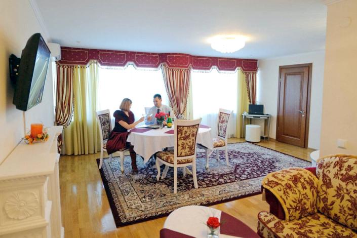 Люкс VIP двухместный трехкомнатный санатория Сакрополь
