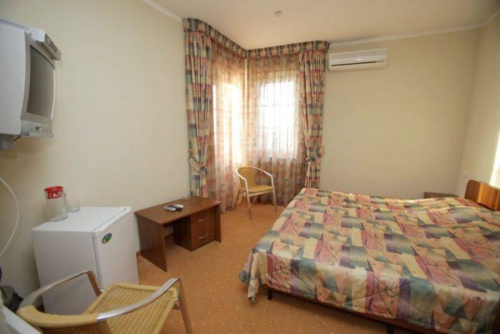 Стандартный двухместный номер отеля Самшит, Очамчыра, Абхазия