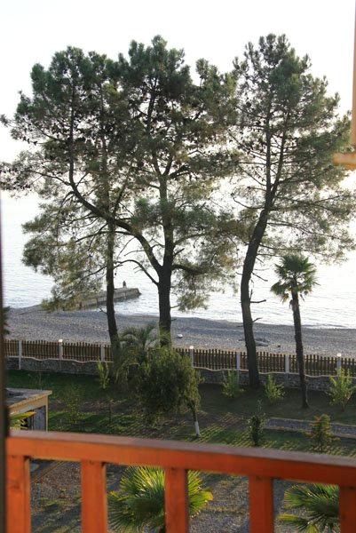 Вид с балкона номера отеля Самшит, Очамчыра, Абхазия