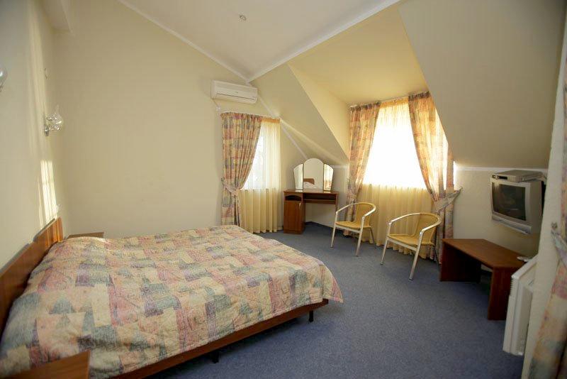 Люкс двухместный двухуровневый отеля Самшит, Очамчыра, Абхазия