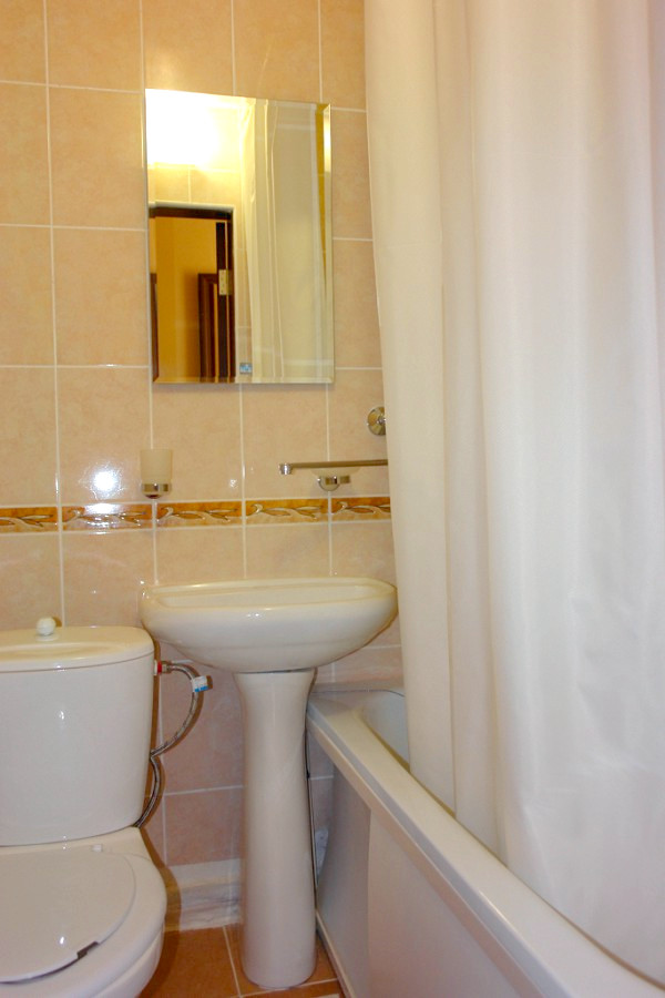 Туалетная комната Улучшенного номера пансионата Сан-Марина