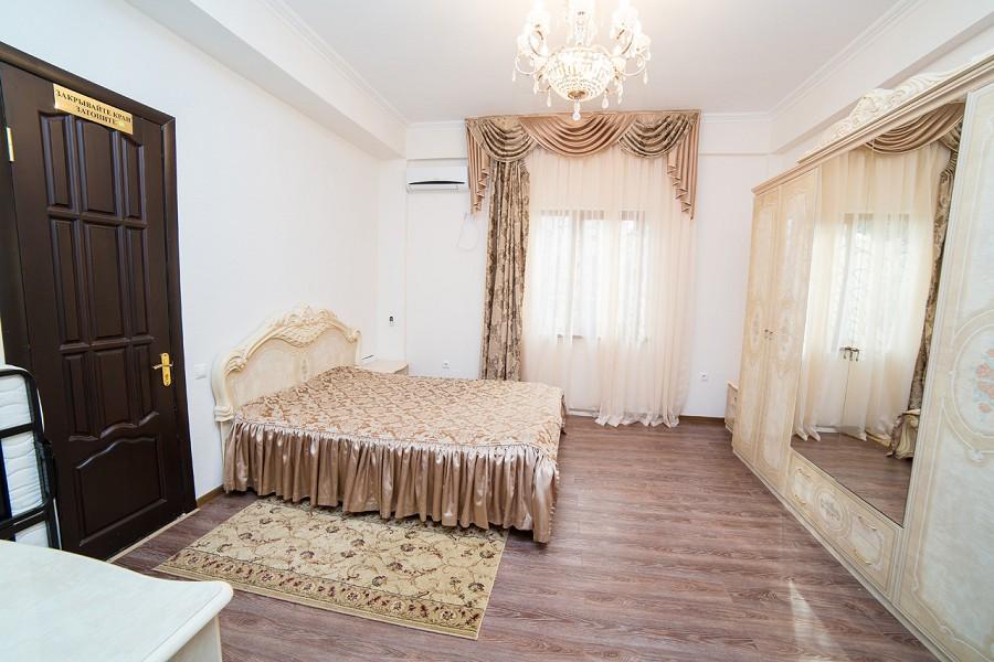 Люкс без балкона отеля San-Siro, Гудаута, Абхазия