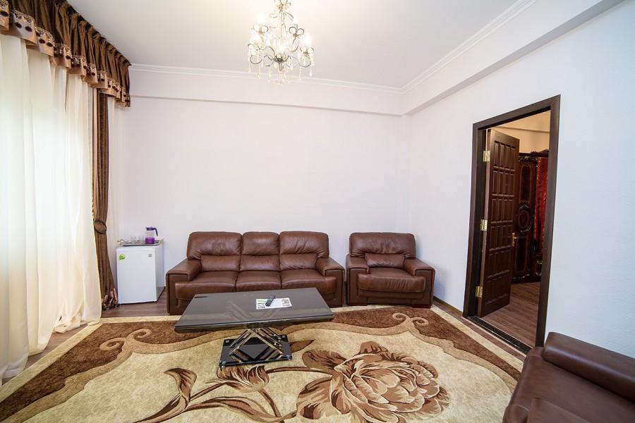 Люкс двухкомнатный с балконом отеля San-Siro, Гудаута, Абхазия