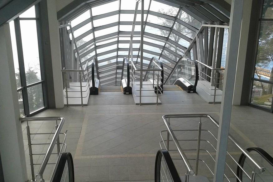 Эскалатор к пляжу санатория Беларусь, Сочи