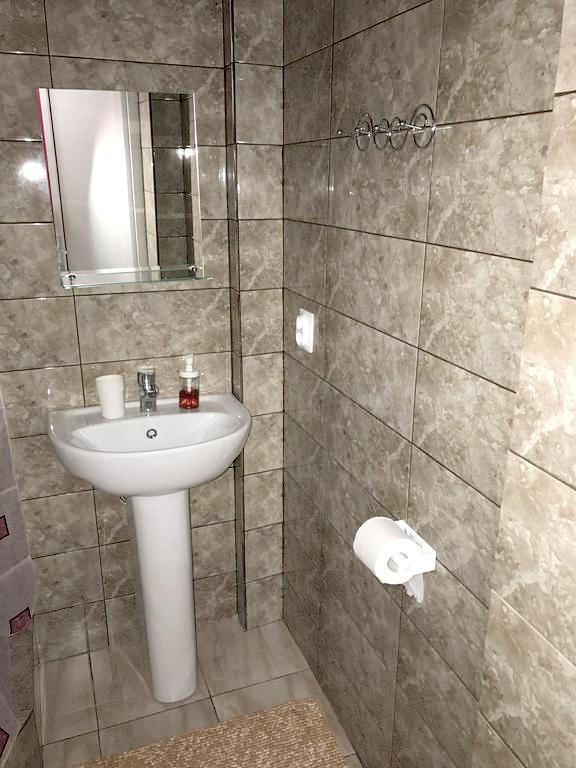 Туалетная комната в номере отеля Санта-София, Пицунда, Абхазия