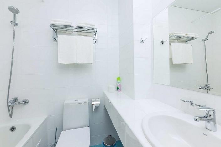 Туалетная комната Стандартного двухместного номера отеля Sea Breeze Resort